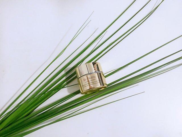 空瓶纪·雅诗兰黛白金级花菁萃紧颜焕...