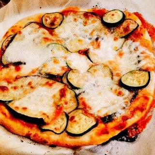 来自神仙厨神的手工意式披萨和柠檬提拉米苏...