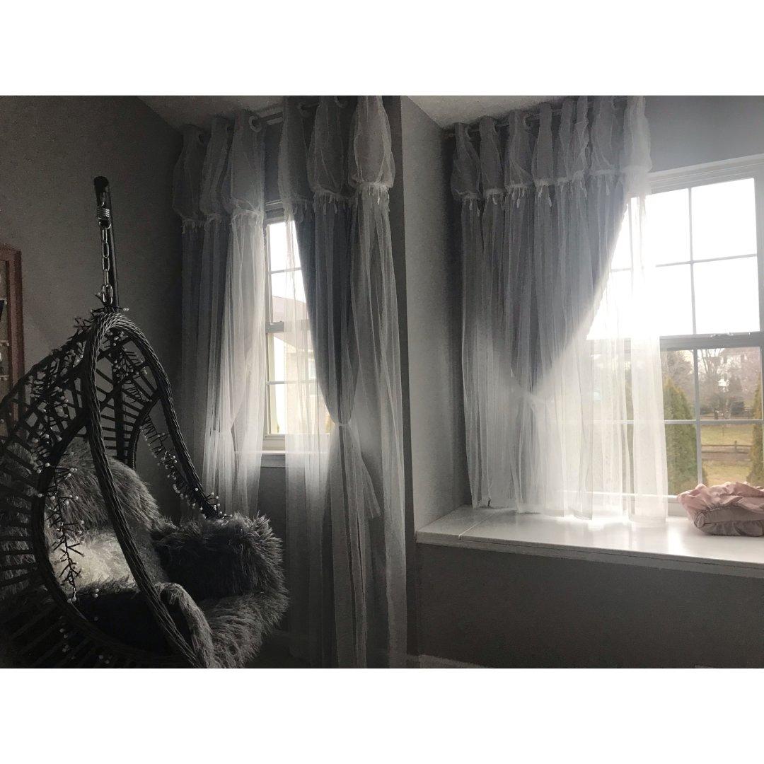 灰色系主卧,网红窗帘和网红秋千椅