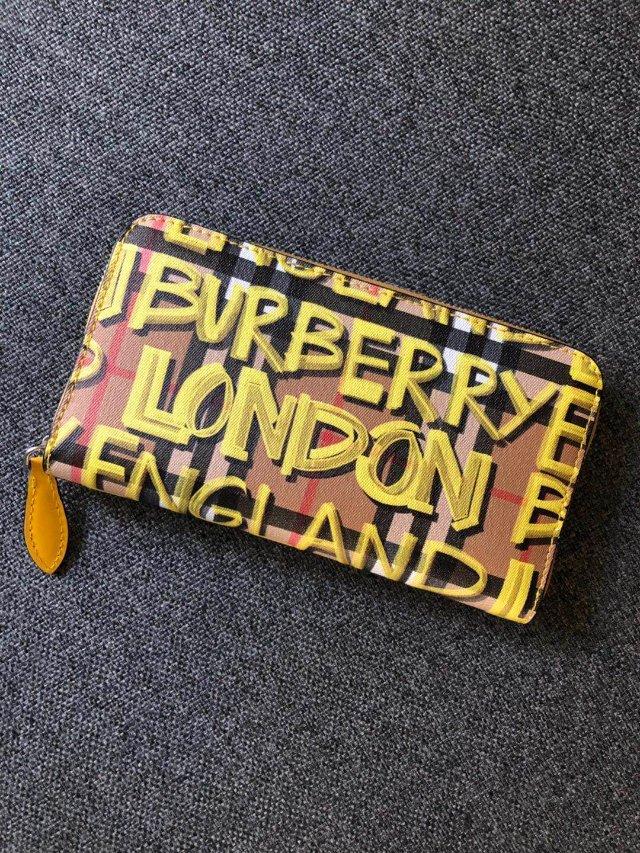72.09的Burberry 钱包