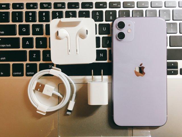 双十一来看看 iPhone 11 小紫吧