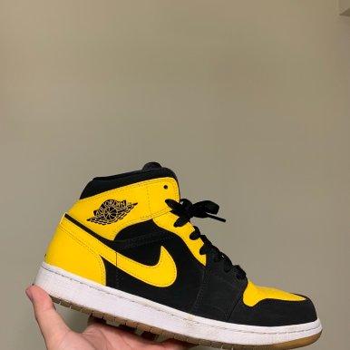 Air Jordan 1 丝绸黑脚趾