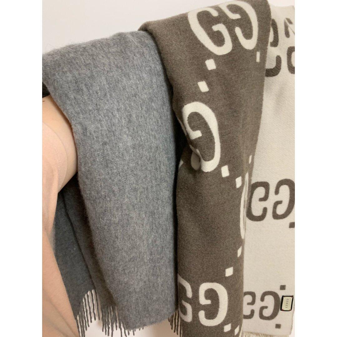 最爱的两条围巾