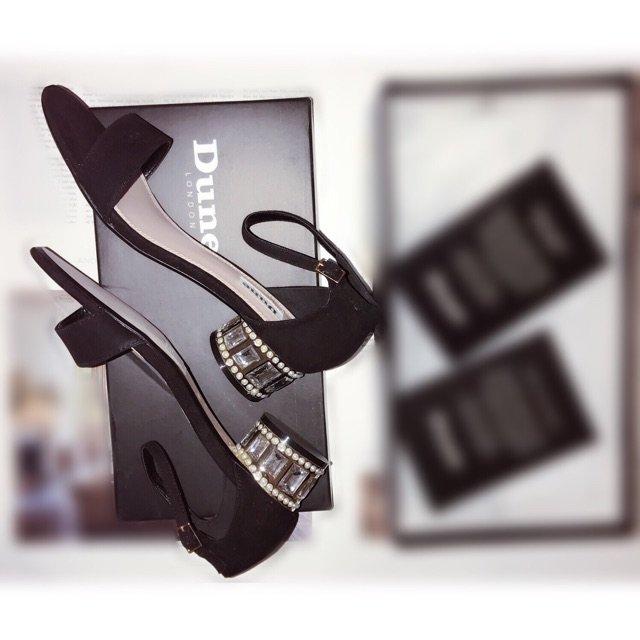 ❣️DUNE LONDON水晶鞋<...