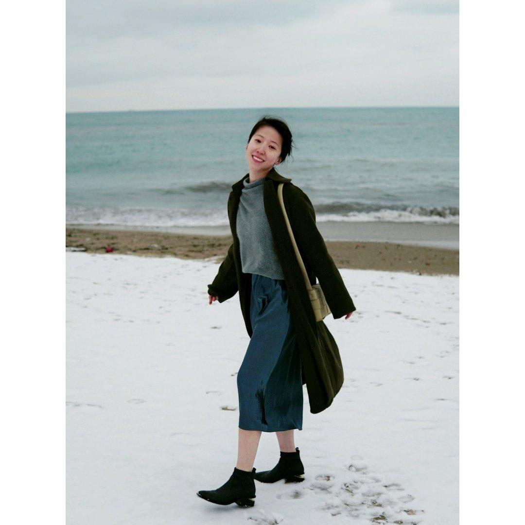 minimal穿搭 | 羊绒和三醋酸