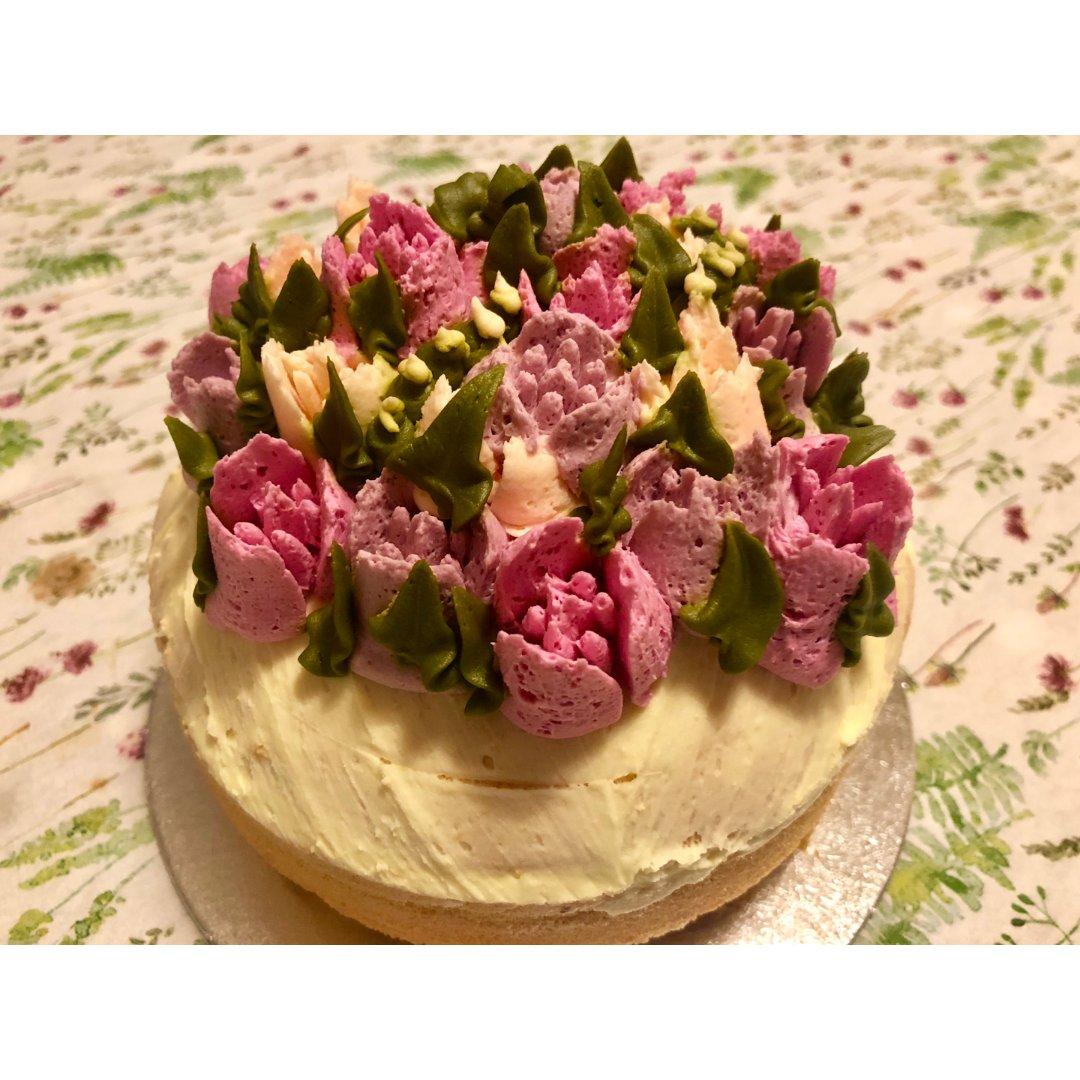 玫瑰🌹和蛋糕🍰还有亲手做的水煮鱼🐟...