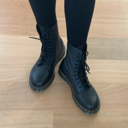 Dr. Martens 1490 Virginia