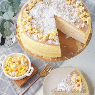 Popcorn Mille Crêpes - 9 inches · Lady M