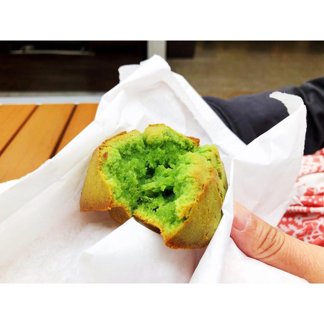 【意想不到的美味抹茶麻糬蛋糕,竟然...