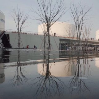 油罐改造的艺术馆🎨 探索水粒子世界...
