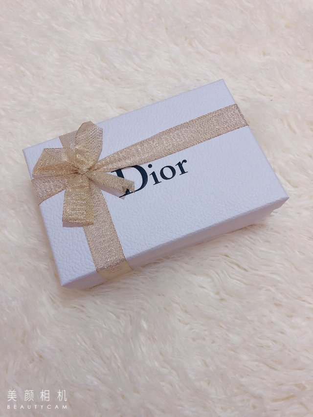 Dior任意单送红色手链和迷你Q香