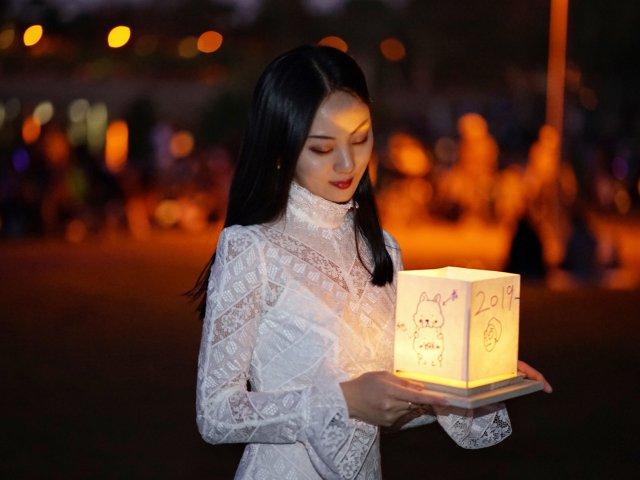 点一盏灯,许一个愿,爱一个人 | ...