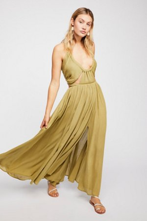 40% OffAll Summer Essentials Sale @ Free People