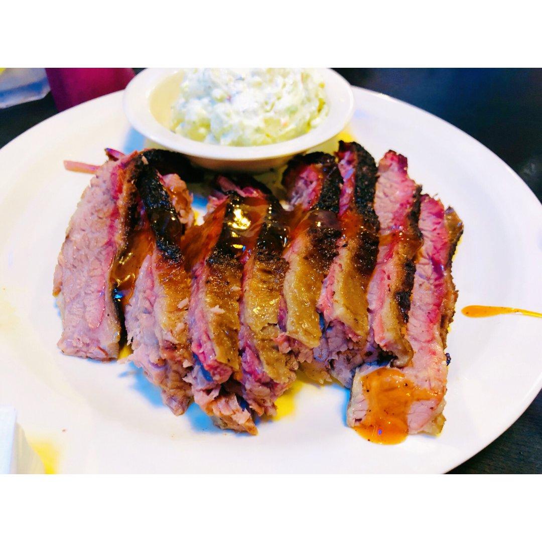 大德州最不可少的就是BBQ!