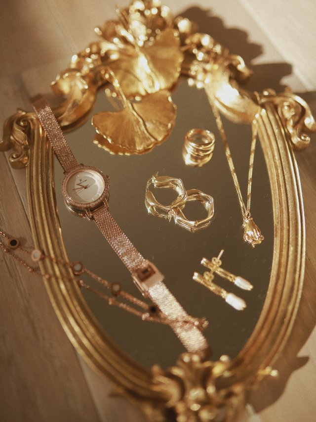 购物分享🛒秋冬的金色饰品➕一点自拍心得
