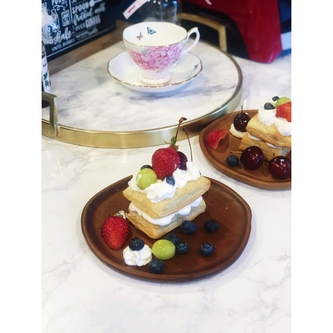 今日份下午茶↣超好吃的拿破仑