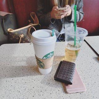 Louis Vuitton 路易·威登,Starbucks 星巴克