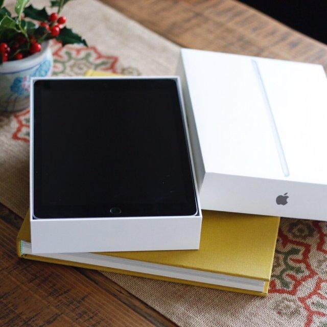 趁着黑五收了第六代iPad, 给男...