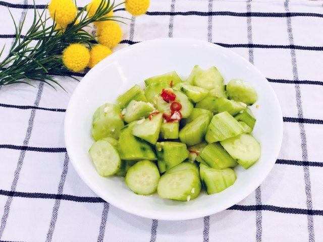 ☀️专治夏天食欲不振:凉拌黄瓜🥒