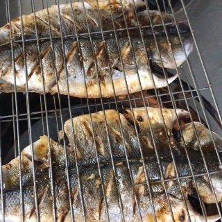 美味的烤鱼。