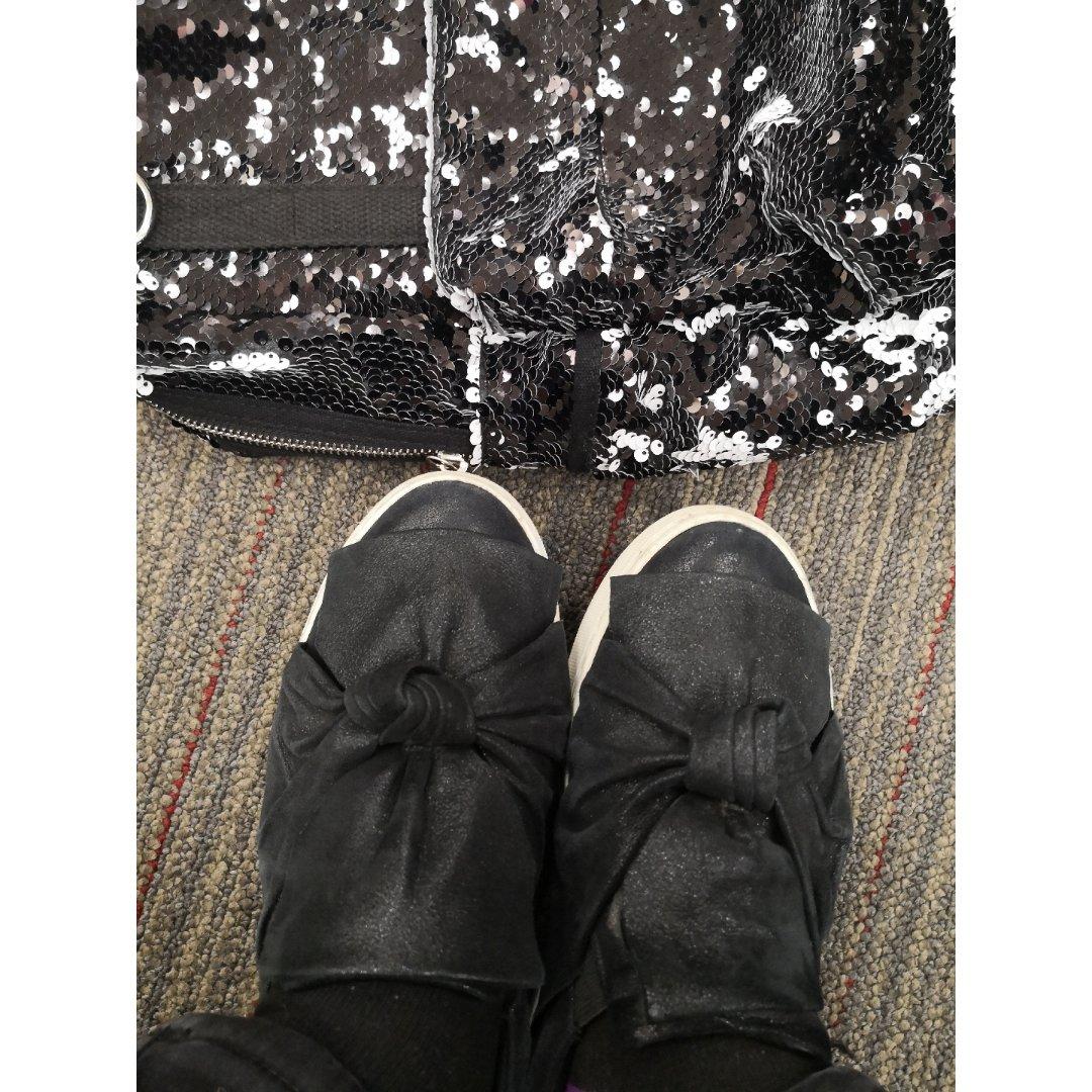 1闪烁黑色包和鞋