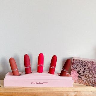 Mac 圣诞唇膏套盒...