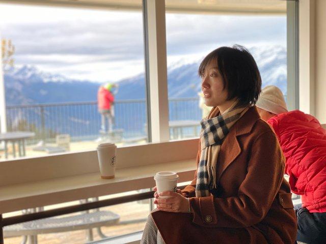在班夫喝到全世界最高的星巴克咖啡