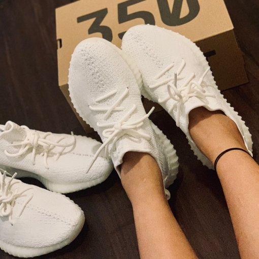 Yeezy boost 350v2 triple white