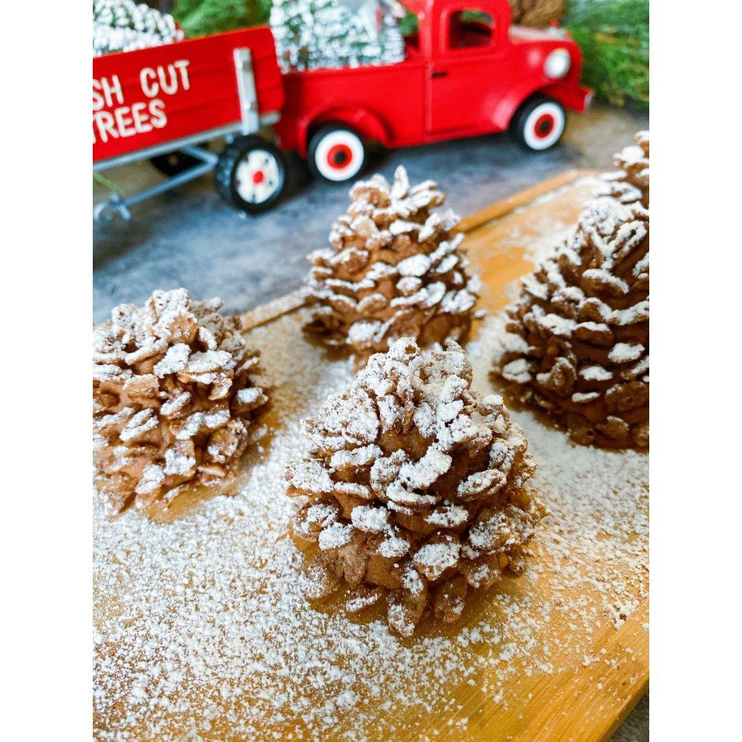 圣诞甜品DIY  可爱的小松果们
