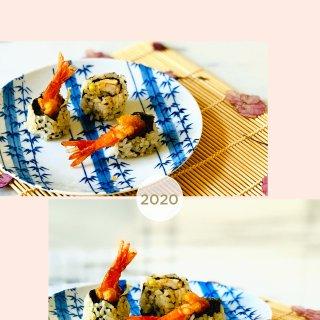 吃着不愿放手的💕天妇罗虾寿司🍣吃完为止✌...