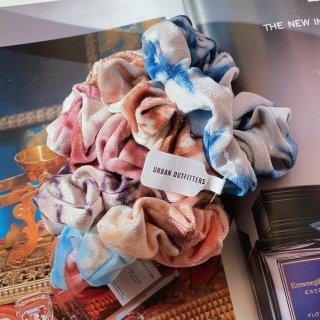Velvet Assorted Scrunchie Set | Urban Outfitters