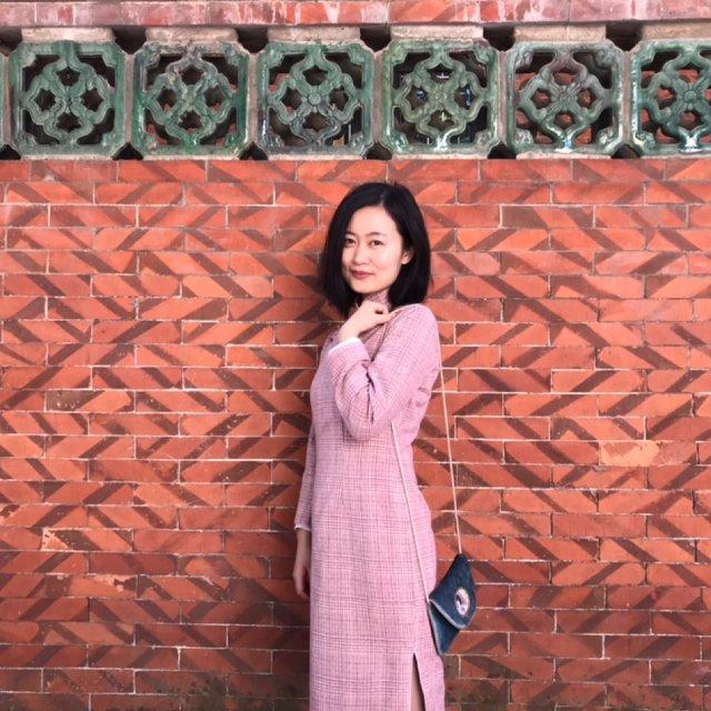休闲中式风 - 旗袍配小白鞋