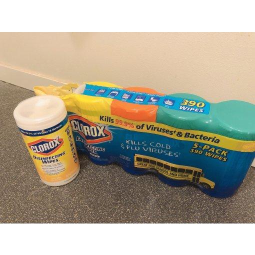 Clorox 消毒湿巾 可以消灭 99.9% 细菌和病毒
