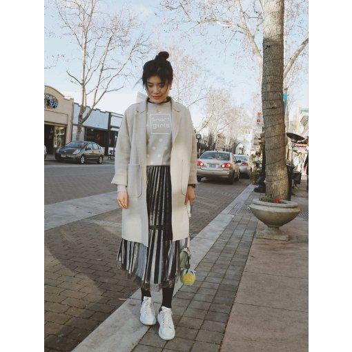 【时尚 | 穿搭】卫衣和丝绒裙的现代和复古的碰撞