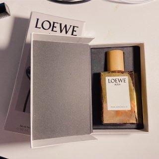 新年的第一瓶香水...