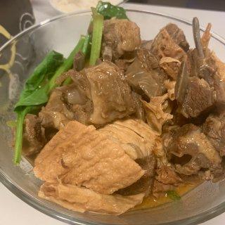 咖喱牛腩和羊肉火锅...