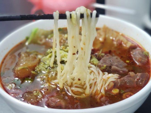 北加手拉台式牛肉面 Old Taro