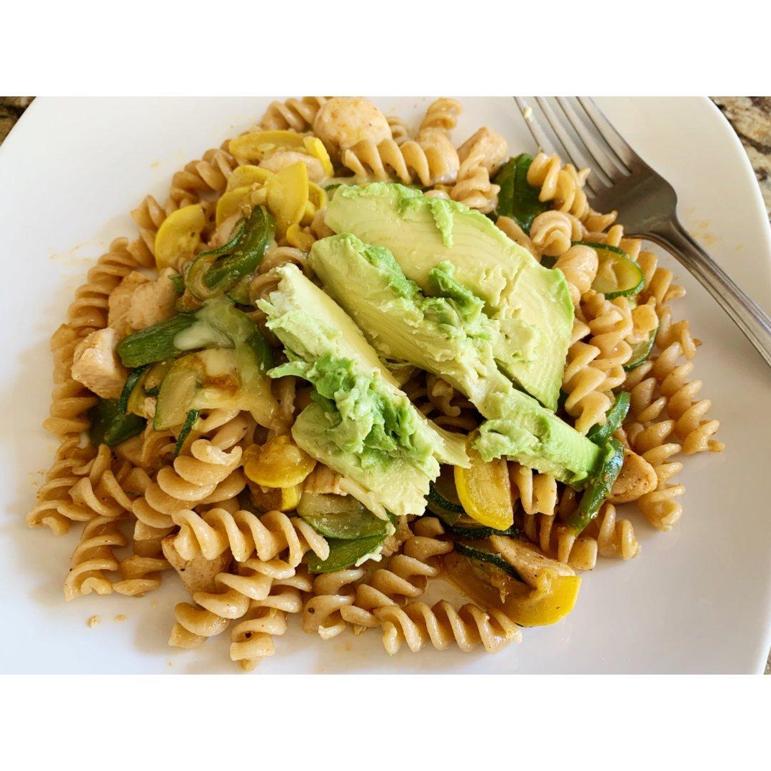 【全麦pasta】鸡肉瓜瓜牛油果🥑意面