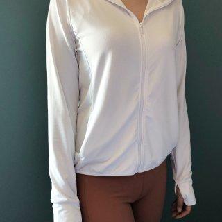 Uniqlo 运动防晒衣 最简单的舒适还...