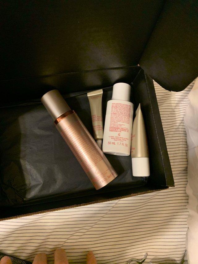 化妆品囤货中