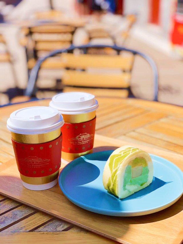 【来份故宫角楼咖啡店的千里江山卷,...