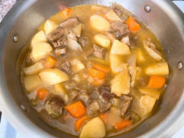 健身打卡第四天🌈🌈土豆胡萝卜炖牛腩养身餐