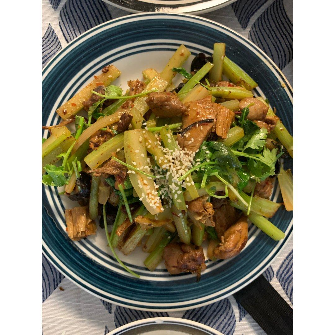 7 干锅鸡肉和杂菜