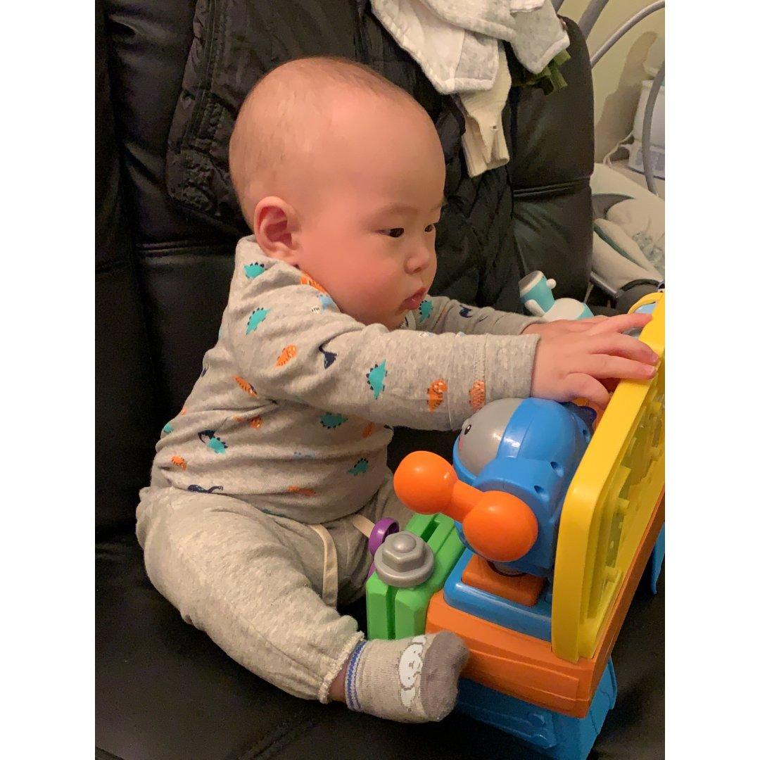 六个月,宝宝会坐啦🥰