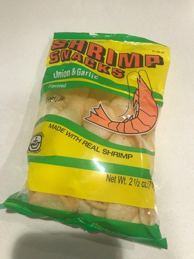 怀旧零食,好像小时候吃的龙虾片!