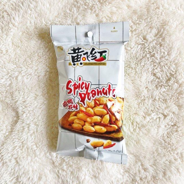 黄飞红麻辣花生,零食配菜皆相宜
