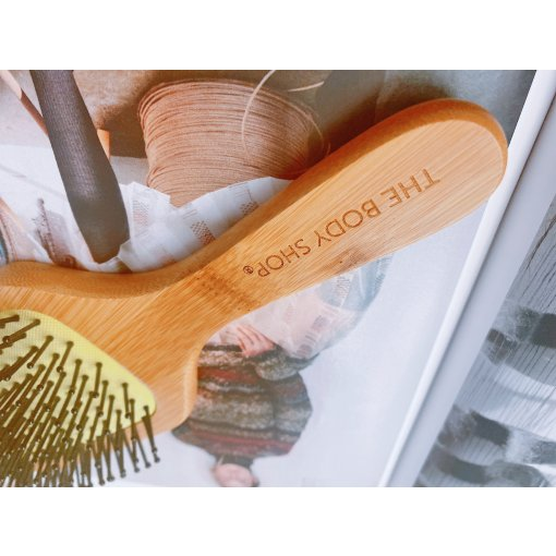 the body shop木质气垫梳子
