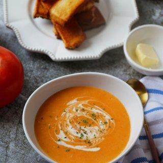 今日份早餐|番茄土豆浓汤+黄油蜂蜜吐司条...