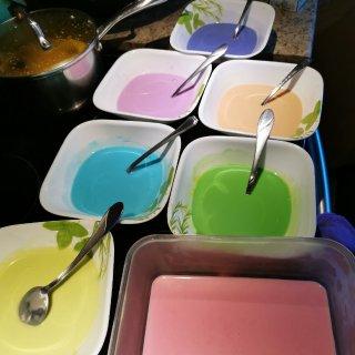 七色彩虹椰汁糕...