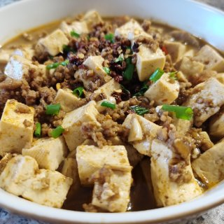 牛骨汤+豆腐